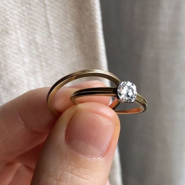 Tiffany And Co 1940 S Wedding Set Made In Gold Diamond Engagement Ring And Gold Wedding Ban Vintage Engagement Rings Tiffany Wedding Band 1940 Engagement Ring