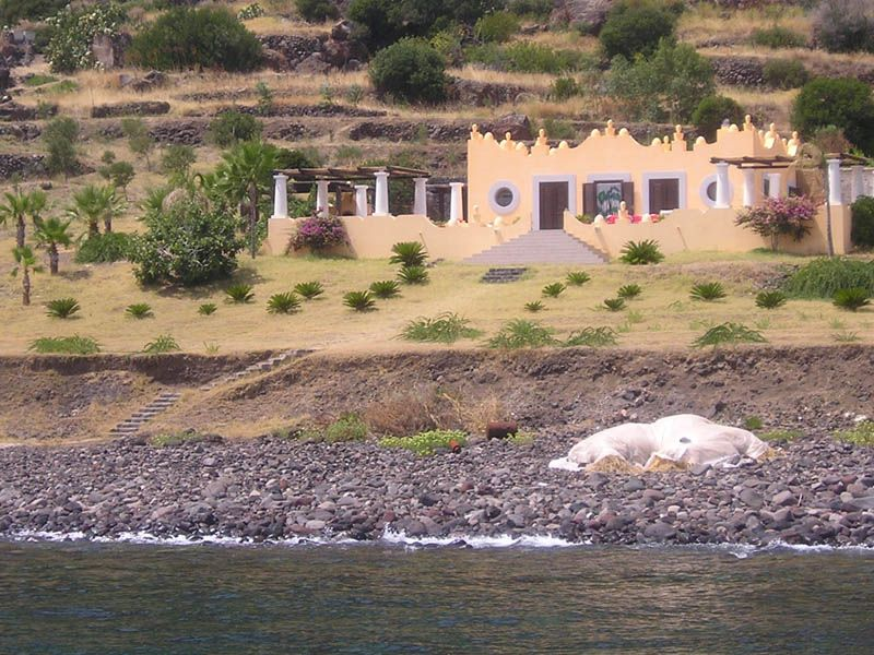 Isole Eolie, casa padronale.