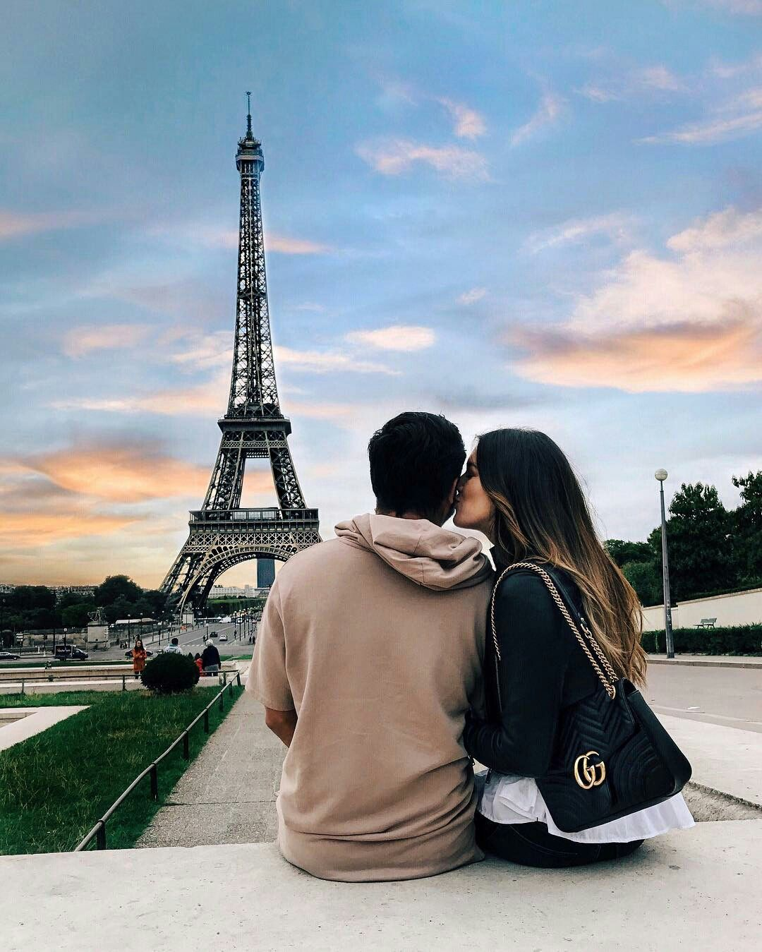 Eiffel Tower Paris Couple Paris Pictures Paris Photography