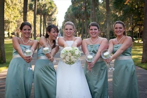 Alternatives To Brides Carrying Bouquets I Have 15 Bridesmaids I
