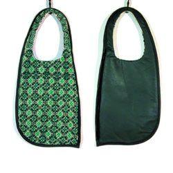 Bolsa. Moda artesanal bordado huichol