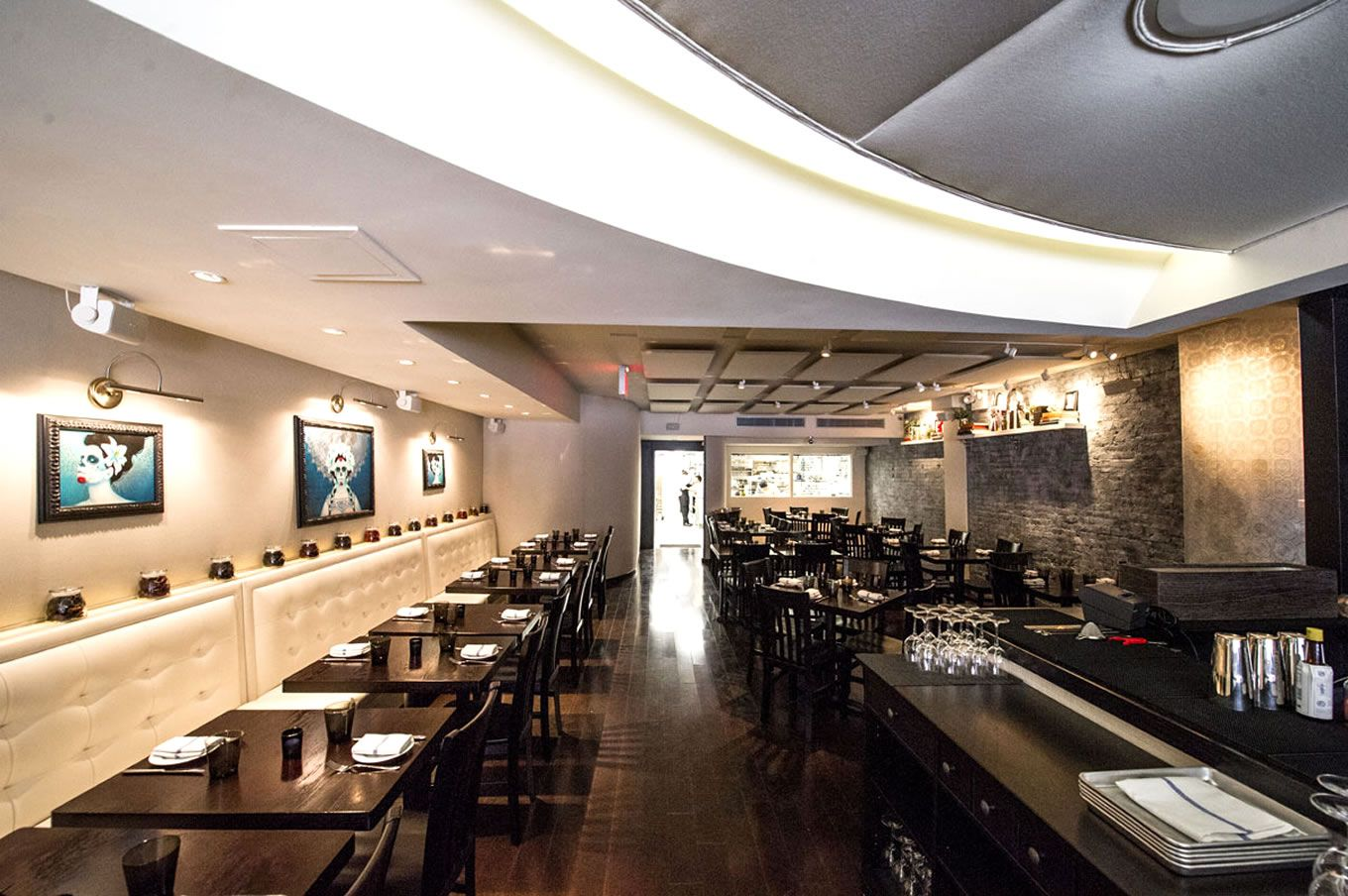 design-inspiration-to-decor-restaurant-contemporary-ceiling-light