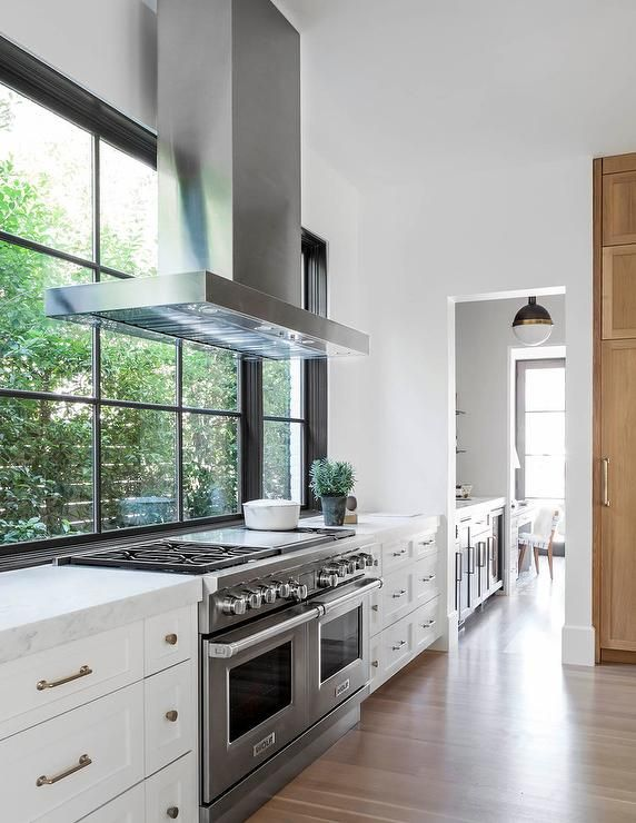 Kitchen Range Hood Placed In Front Of Windows Cottage Modern Home Decor