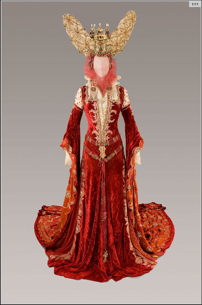 Full length shot of evil queen gown from Brothers Grimm | For My ...