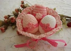 Easter is almost HERE and what would be more festive than to see crocheted items dancing around your Easter centerpiece or stuffed in an Easter...