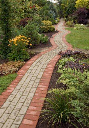 Allée de jardin en pavés autobloquants jardi1 Pinterest Patios - pave pour terrasse exterieur