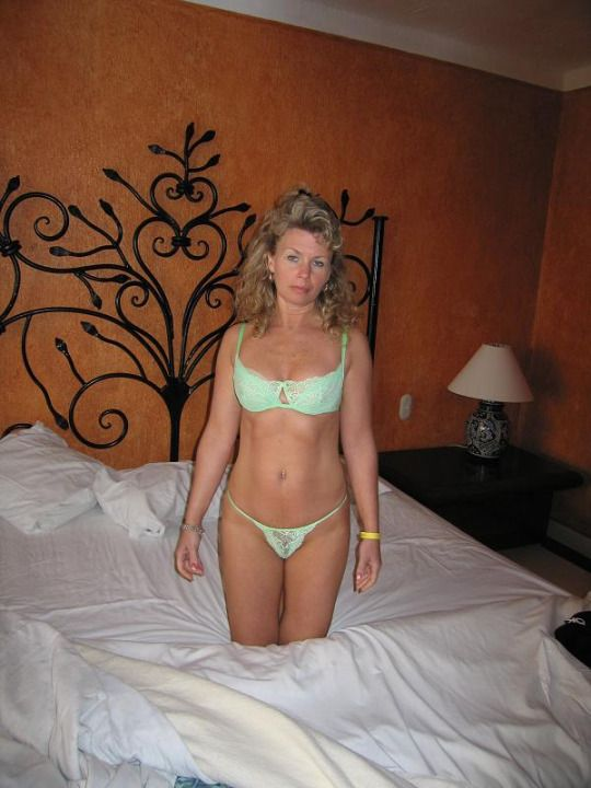Amateur mature wives photos