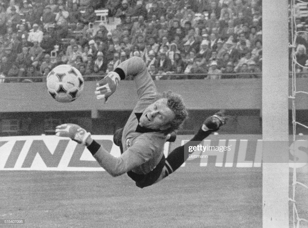 News Photo Italy Vs Germany German Goalie Sepp Maier Makes Sepp Maier Torhuter