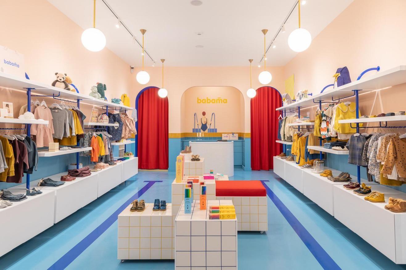 Babama Kids Concept Store En Letonia Fotografias Maria Svarbova Diseno Interior De Tienda Diseno Tiendas De Ropa Diseno De Tienda