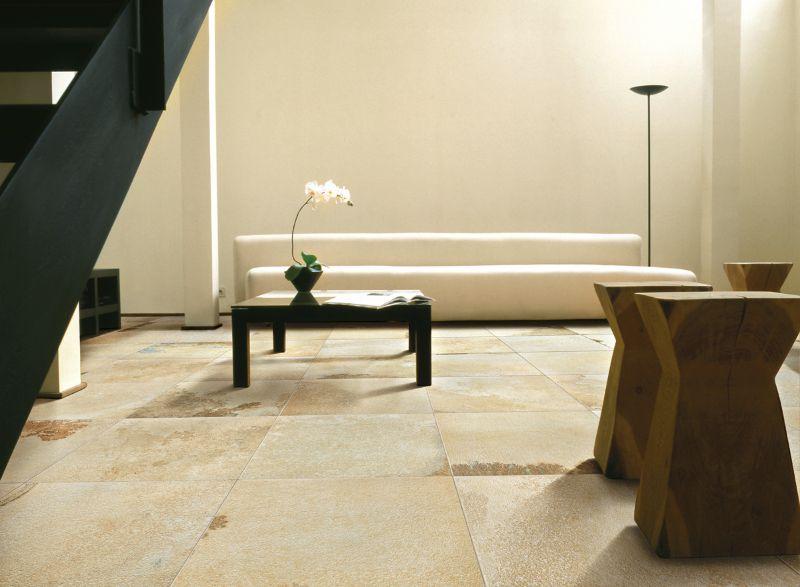 Solker en Hall. Gres porcelánico imitación piedra natural Solnhofen. #pavimento antideslizante