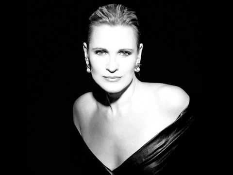 Ainhoa Arteta Bizkaia Maite Basque Country World Music Singer