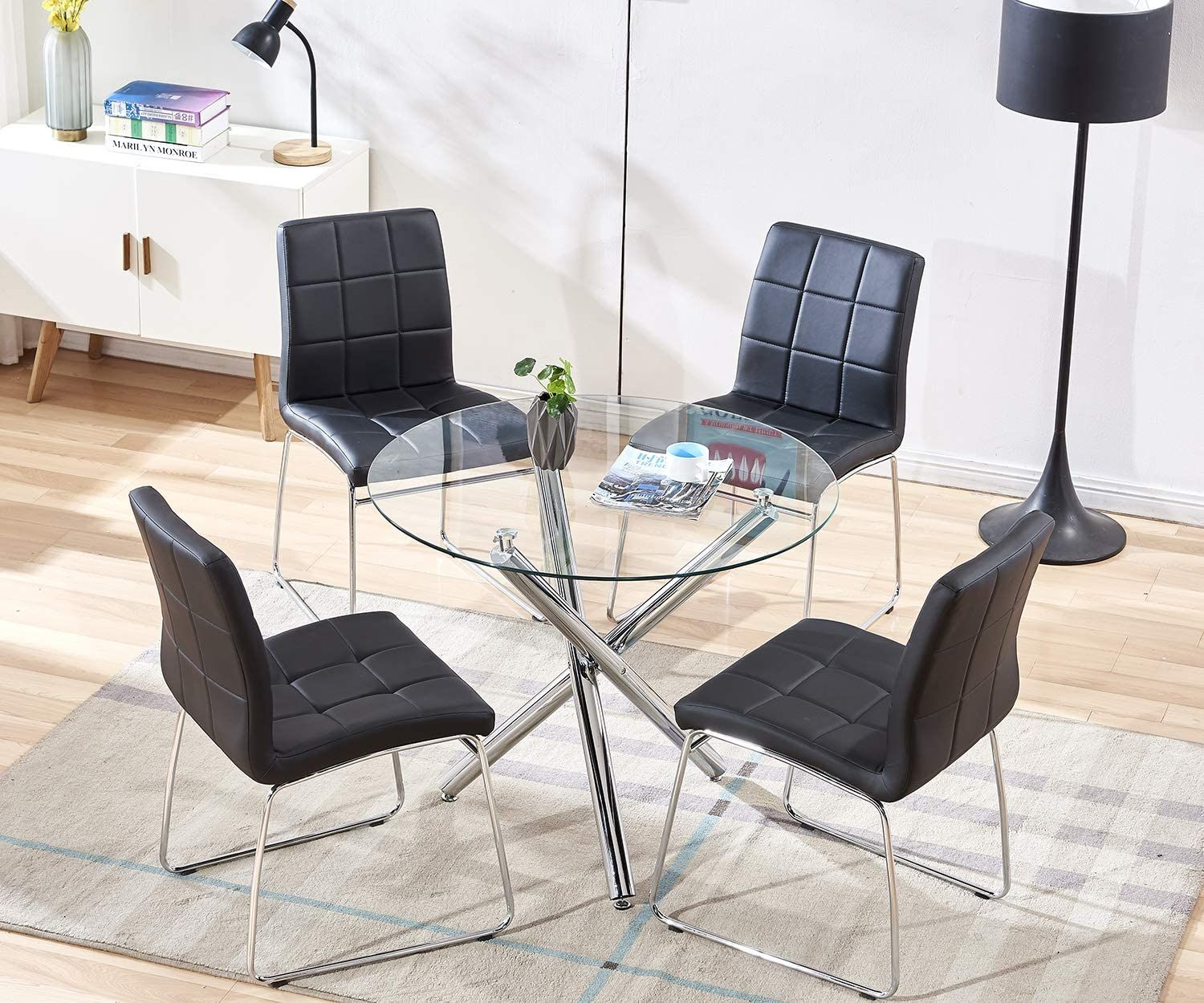 Modern Round Dining Table With Three Table Legs