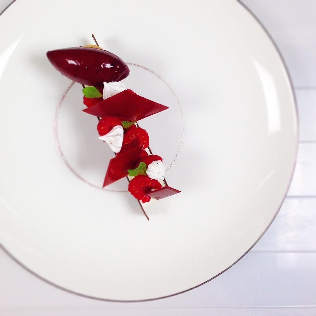 Fruit rouge. #taiwan #taiwan #dessert #patisserie #pastry #mandarinorientalhotel