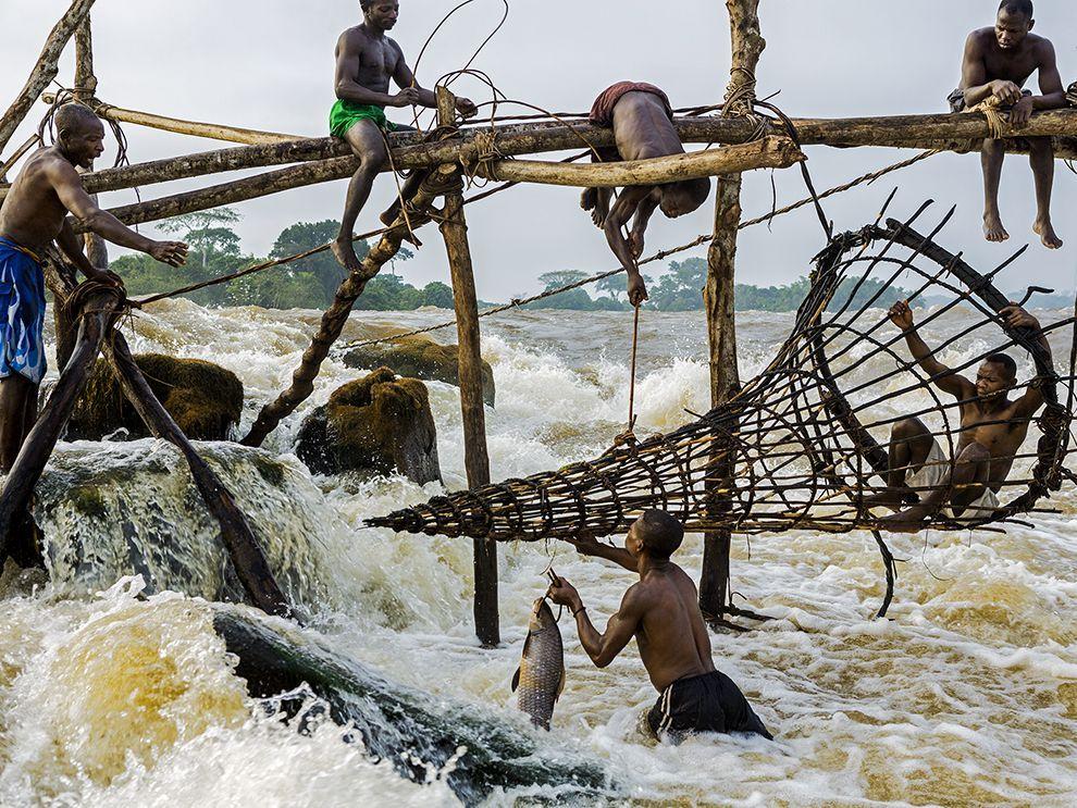 Fishermen Image, Congo River - National Geographic Photo of the Day | Congo  river, National geographic photos, Congo