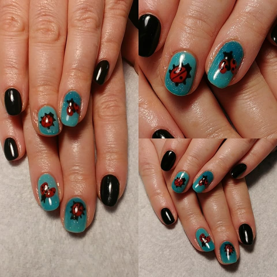 Fancy Blue Nail Arts designed by Cover Beauty http://www.coverbeauty ...