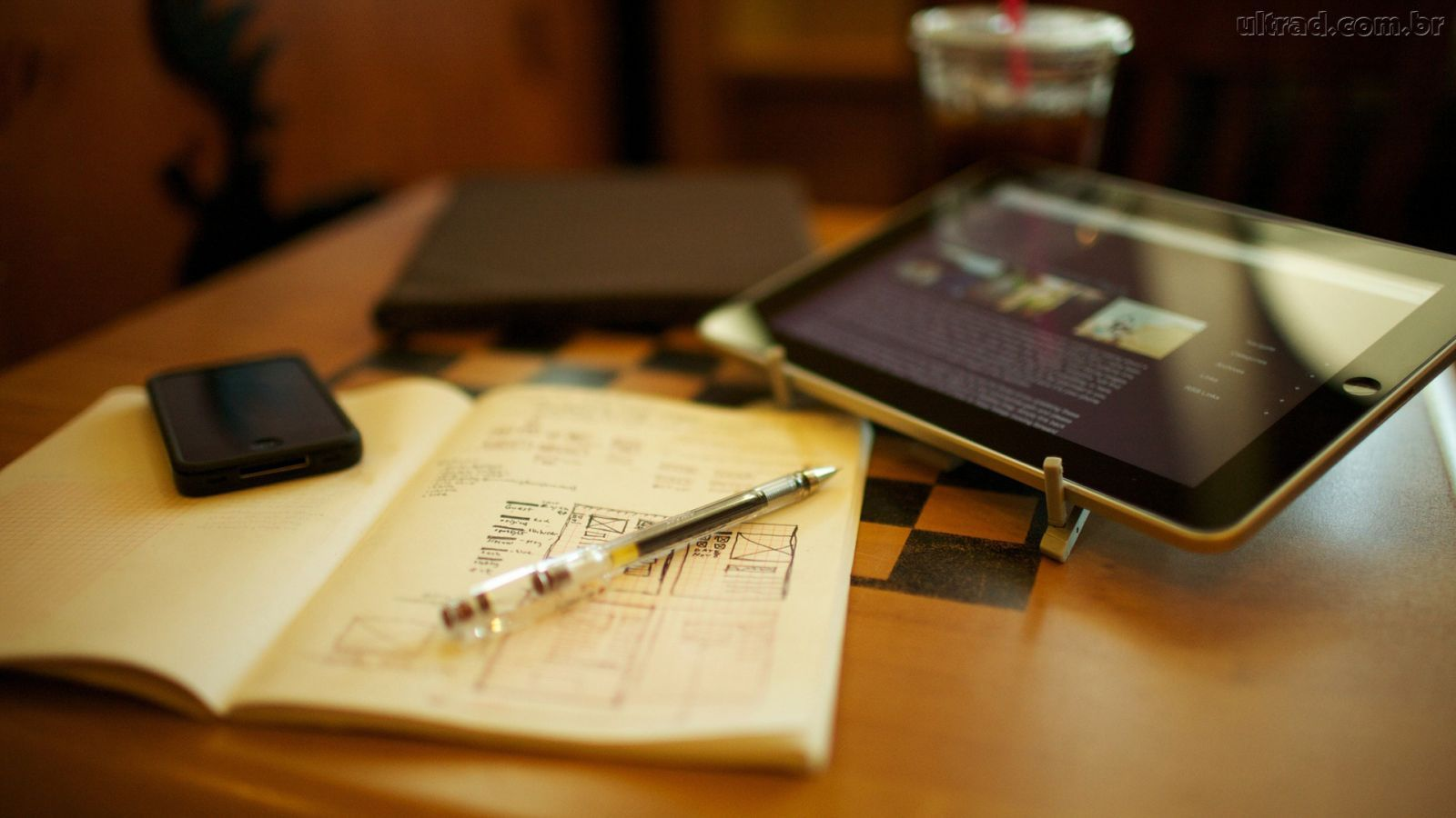 Fundos escritorio, mesa, jornal