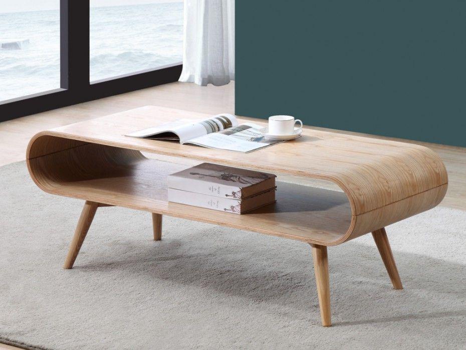 une table basse avec pieds compas pour un look scandinave ou une touche vintage dans le salon