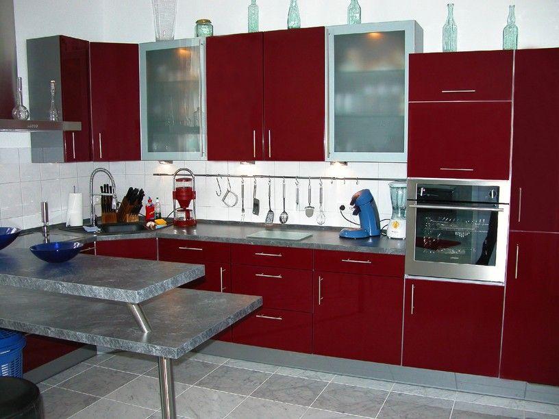 Tiefrote moderne Küche Design-Idee mit grauen Boden und Island | 100 ...
