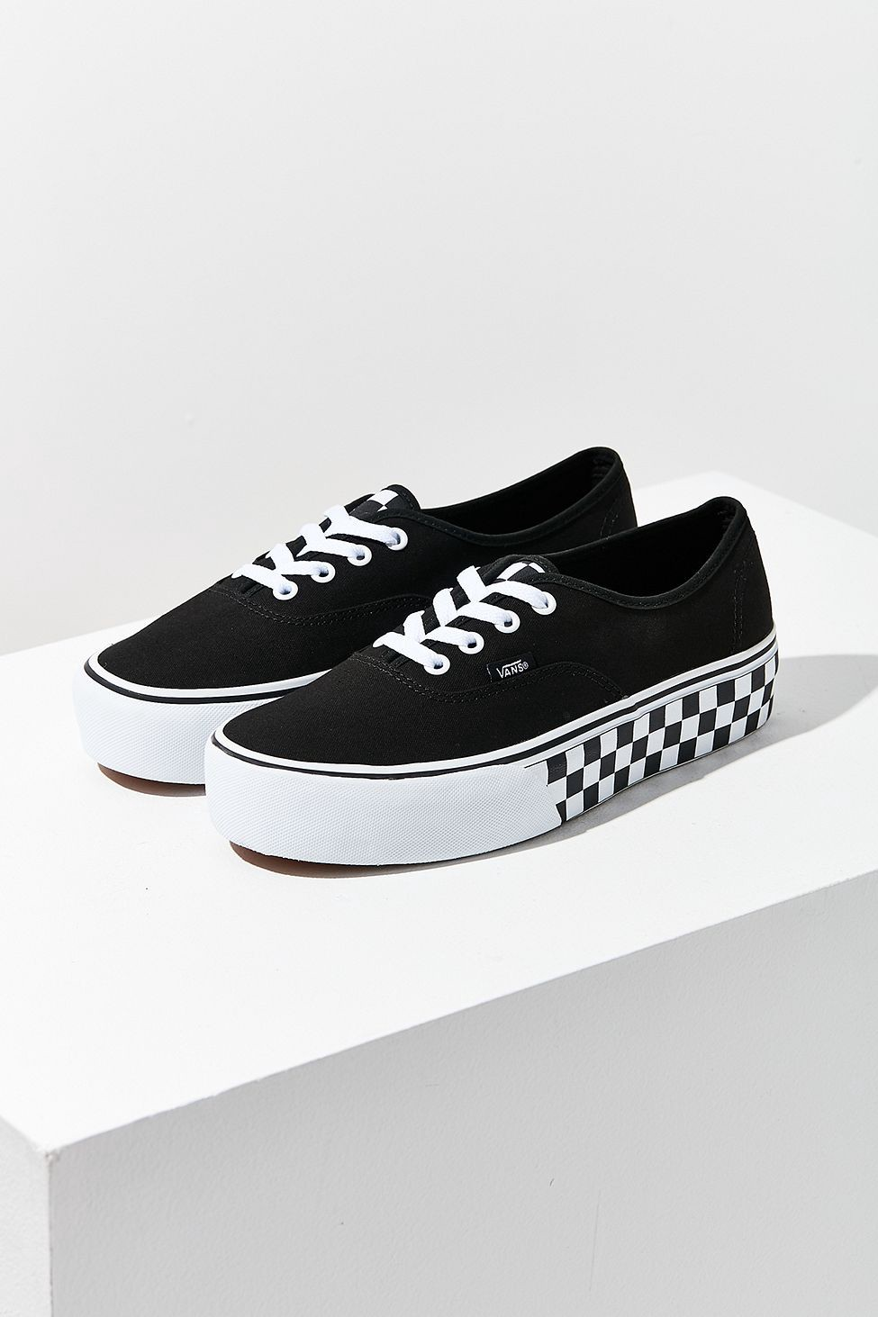 ad1f53f351e0 Urban Outfitters Vans   Uo Authentic Platform Sneaker - W 7 M 5.5 ...