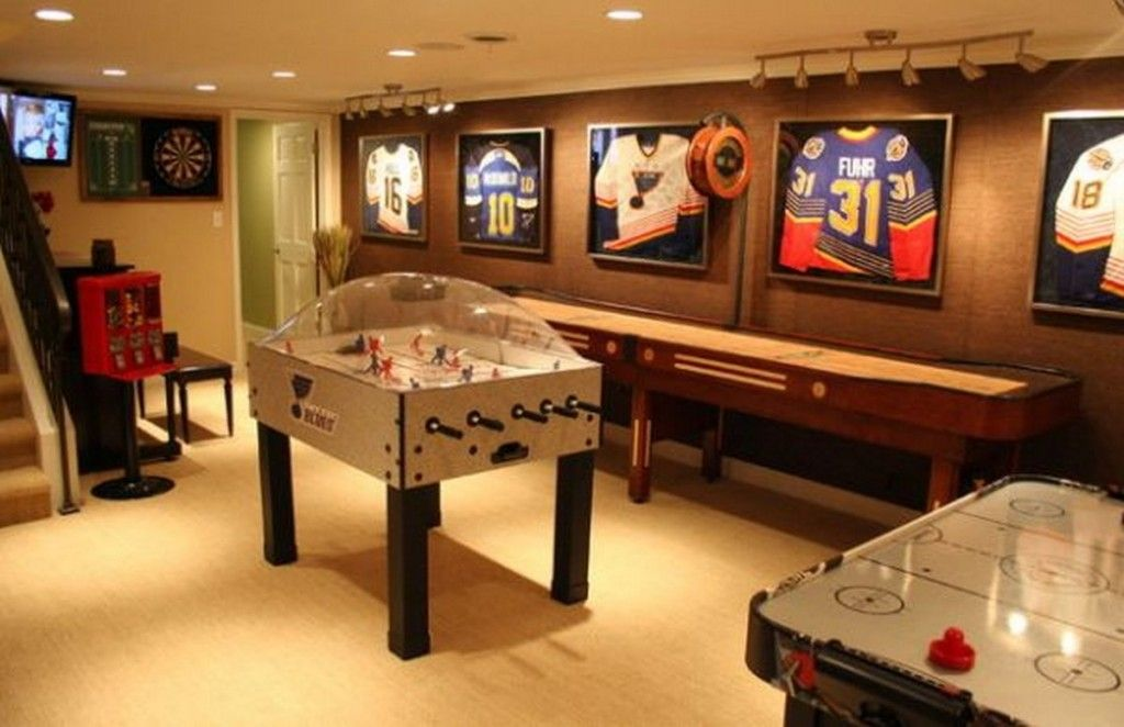 Bubble Hockey On Gaming Room With Sport Theme Design Ideas: Fun Game Room  Design Ideas