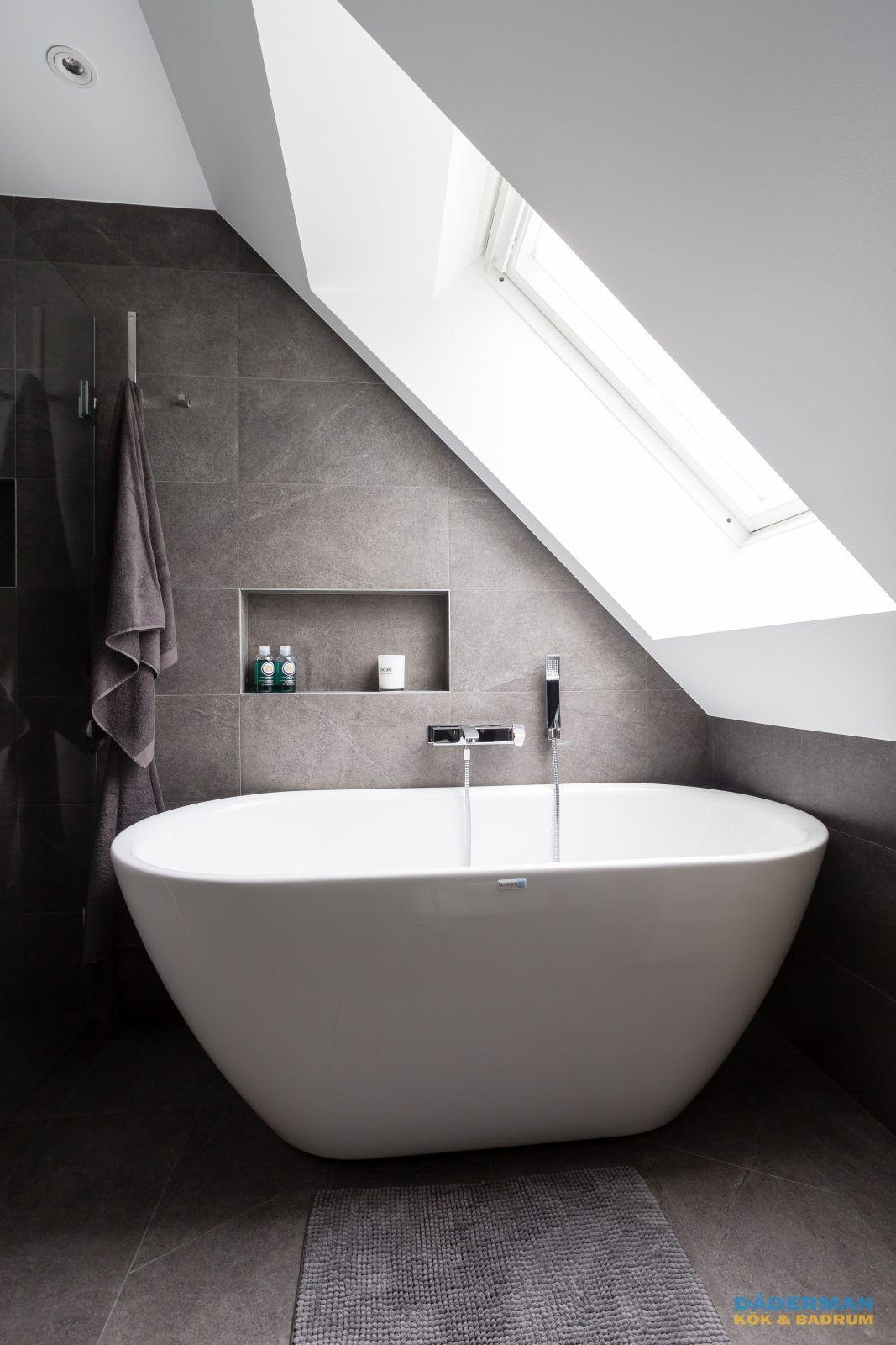 Bra Badrum med snedtak och fristående badkar | Badrum i 2019 | Badrum KQ-64