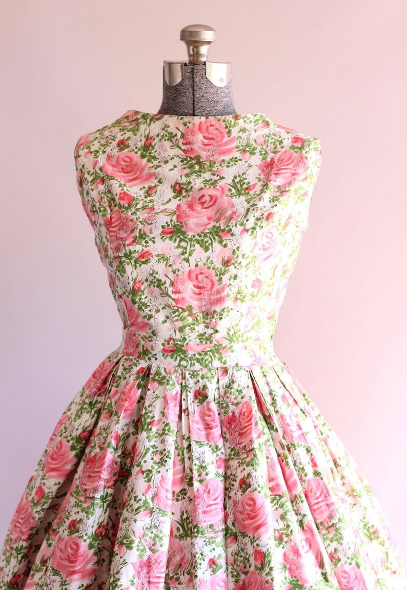 Vintage 1950s Dress 50s Cotton Dress Pink And Green Floral Print Dress W Full Skirt S M Vintage 1950s Dresses Green Floral Print Dress Vintage Attire [ 1152 x 794 Pixel ]