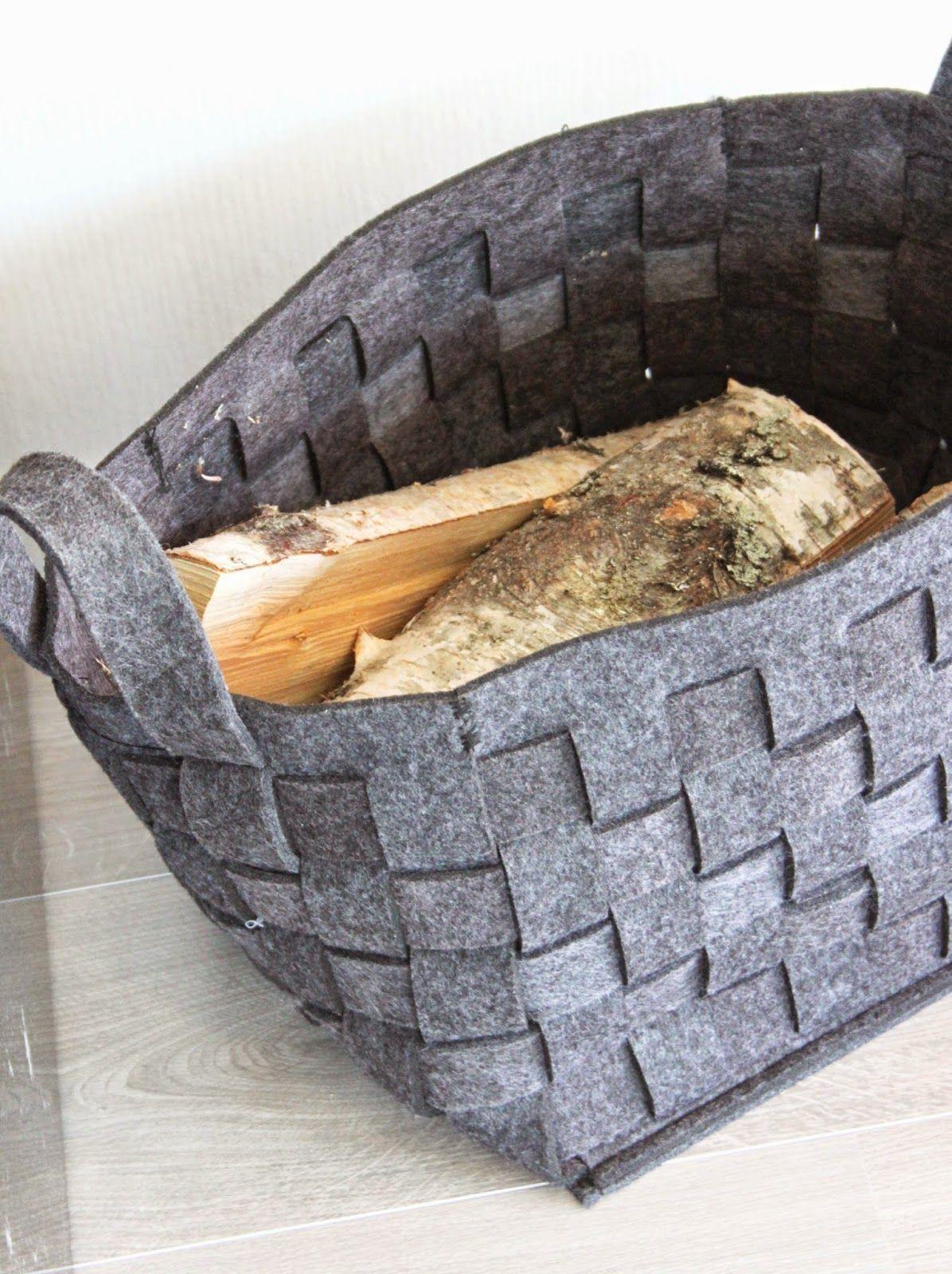 Pehmeä huopa on ihana materiaali. Perinteisellä palttinapunonnalla punottu säilytyskoppa.
