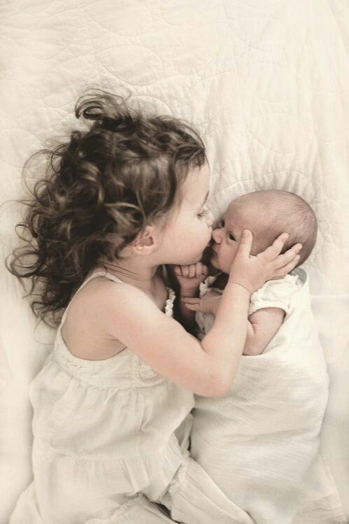 صور الأخت الأخت فاكهة الحياة والحب المملوء بالشغب الجميل و لديها الأسرار في خزانة أمينة الأخت ا Children Photography Baby Pictures New Baby Products