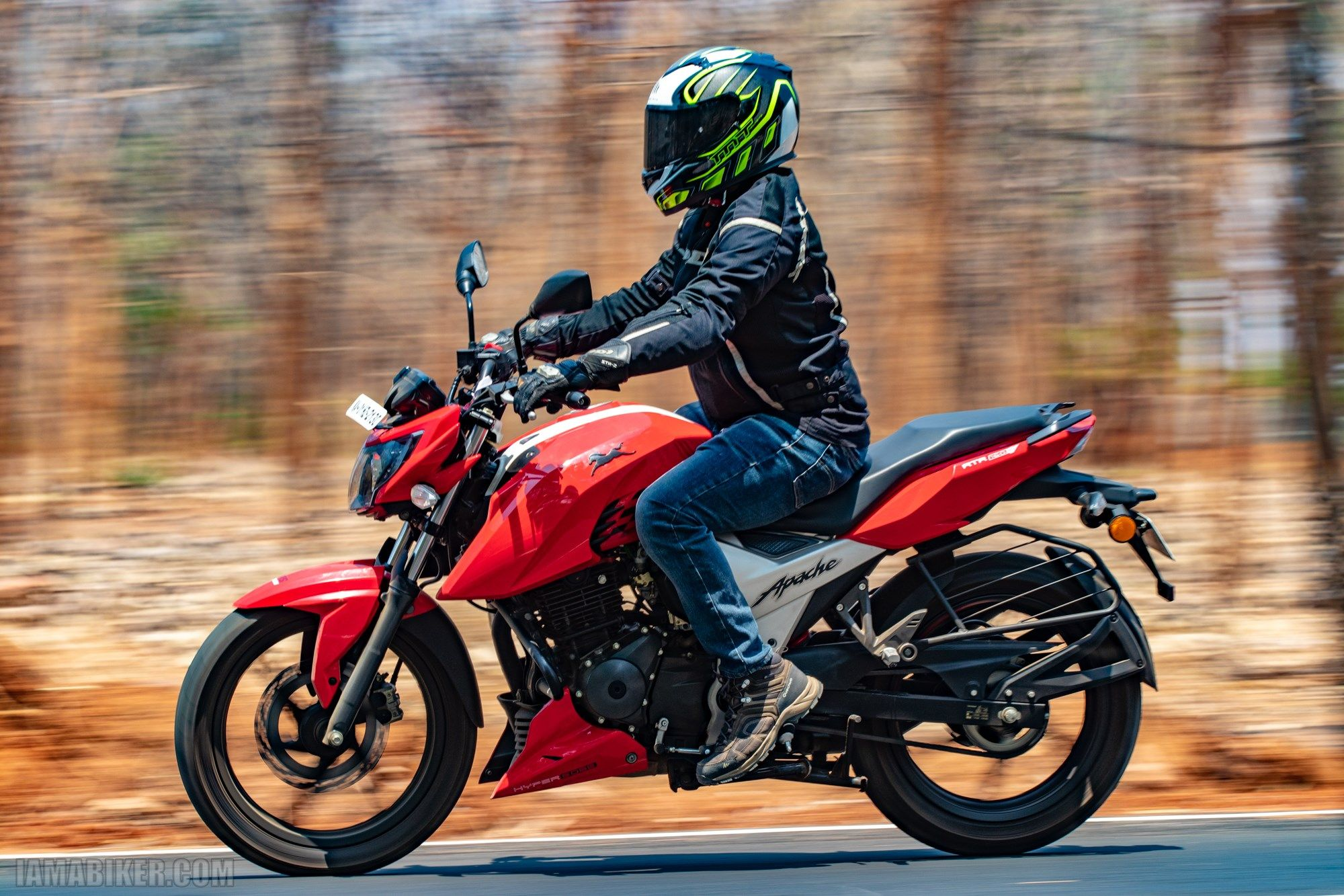 Tvs Apache Rtr 160 4v Road Review True Little Brother To The 200 Apache Rtr Motorcycle News