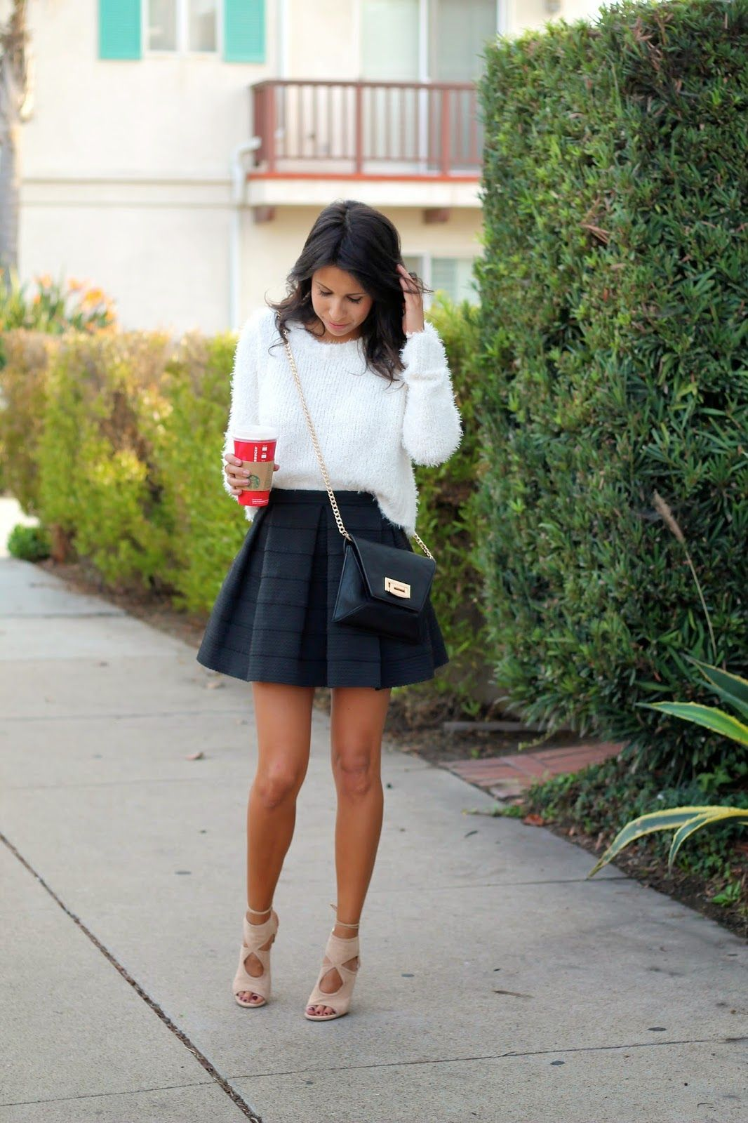 white sweater outfit - Buscar con Google | Similar In my wardrobe ...