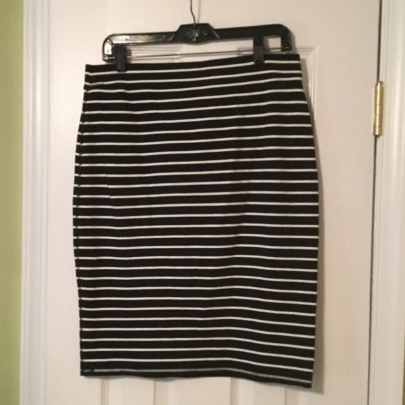 Black with white striped tube skirt Elastic waste tube skirt.  Comfortable, can be dressed up or down. Old Navy Skirts Pencil