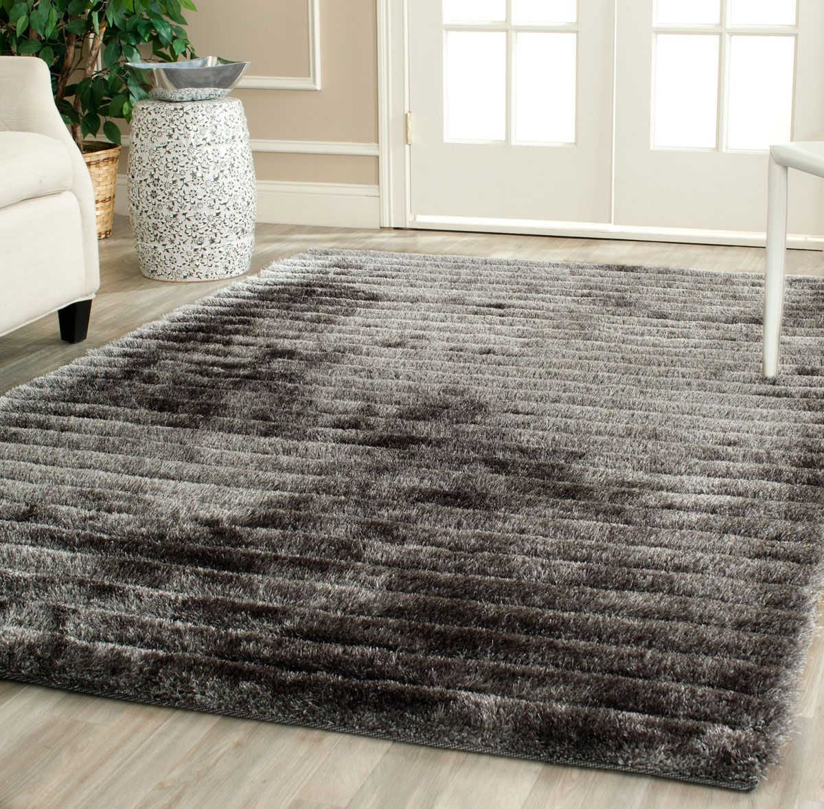 silver d shag  shag rugs and bedrooms - sgc rug from d shag collection sgc by safavieh is a silver d shag w