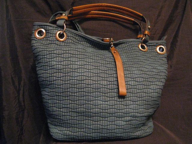 42ab07a8d06 grote handige petrol kleurige handtas. Ook te gebruiken als schooltas.