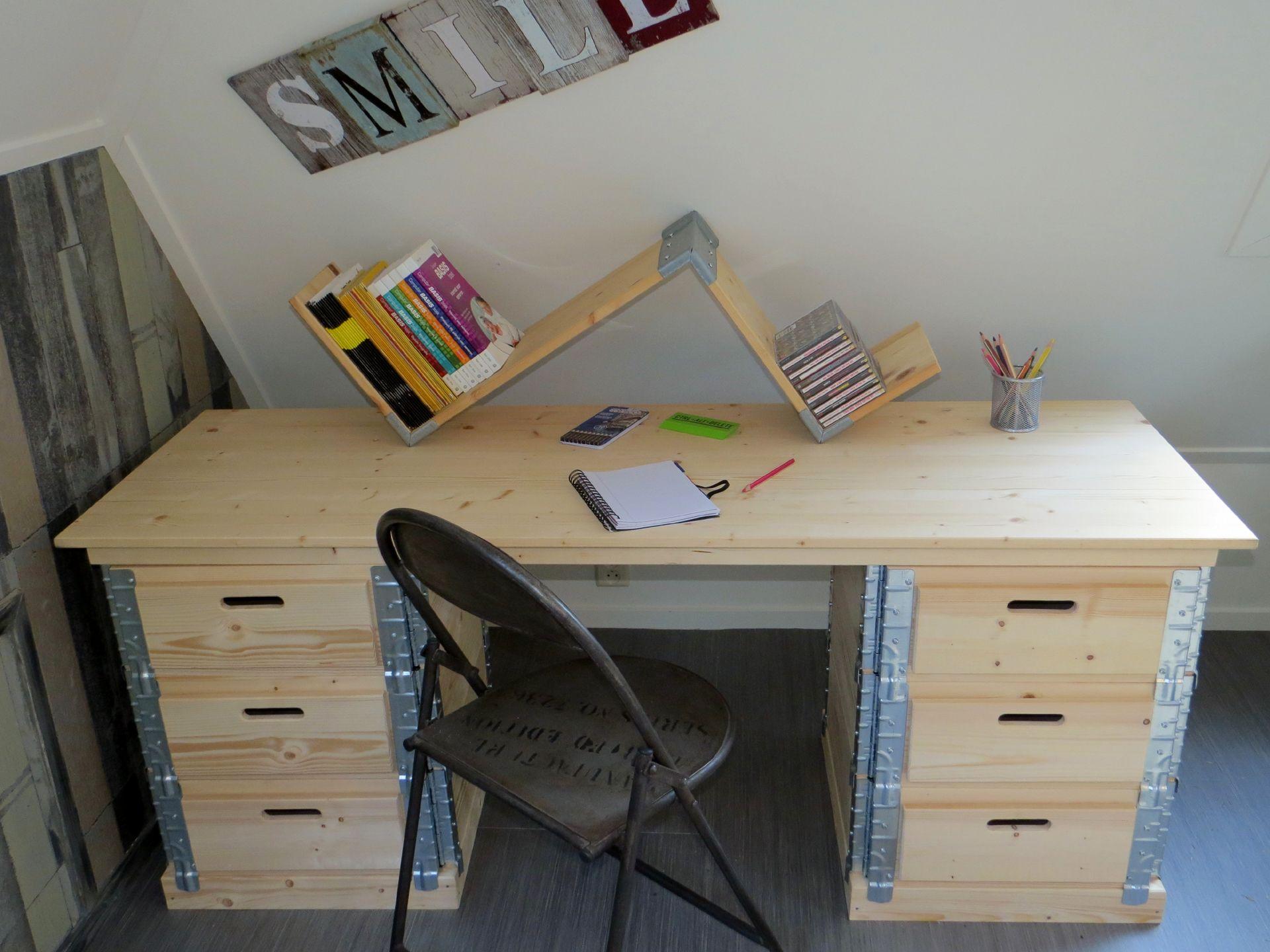 boekenplank /bureaublad opstand