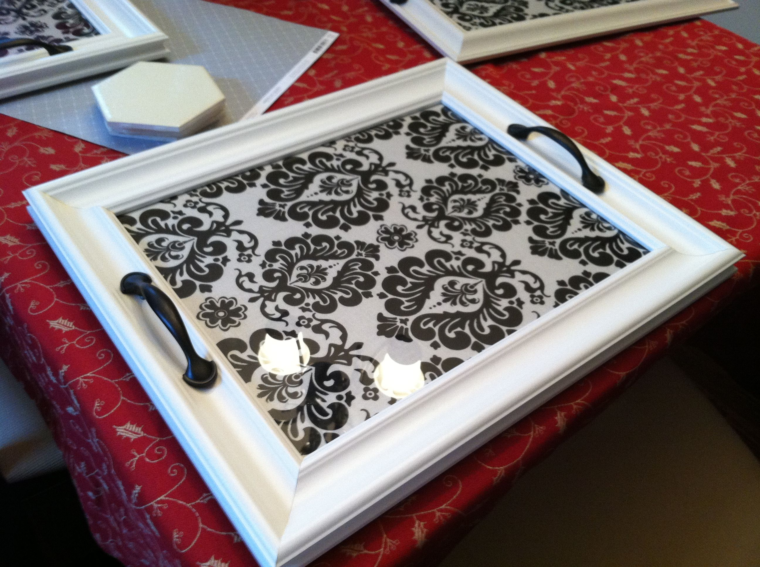 How to scrapbook a picture frame