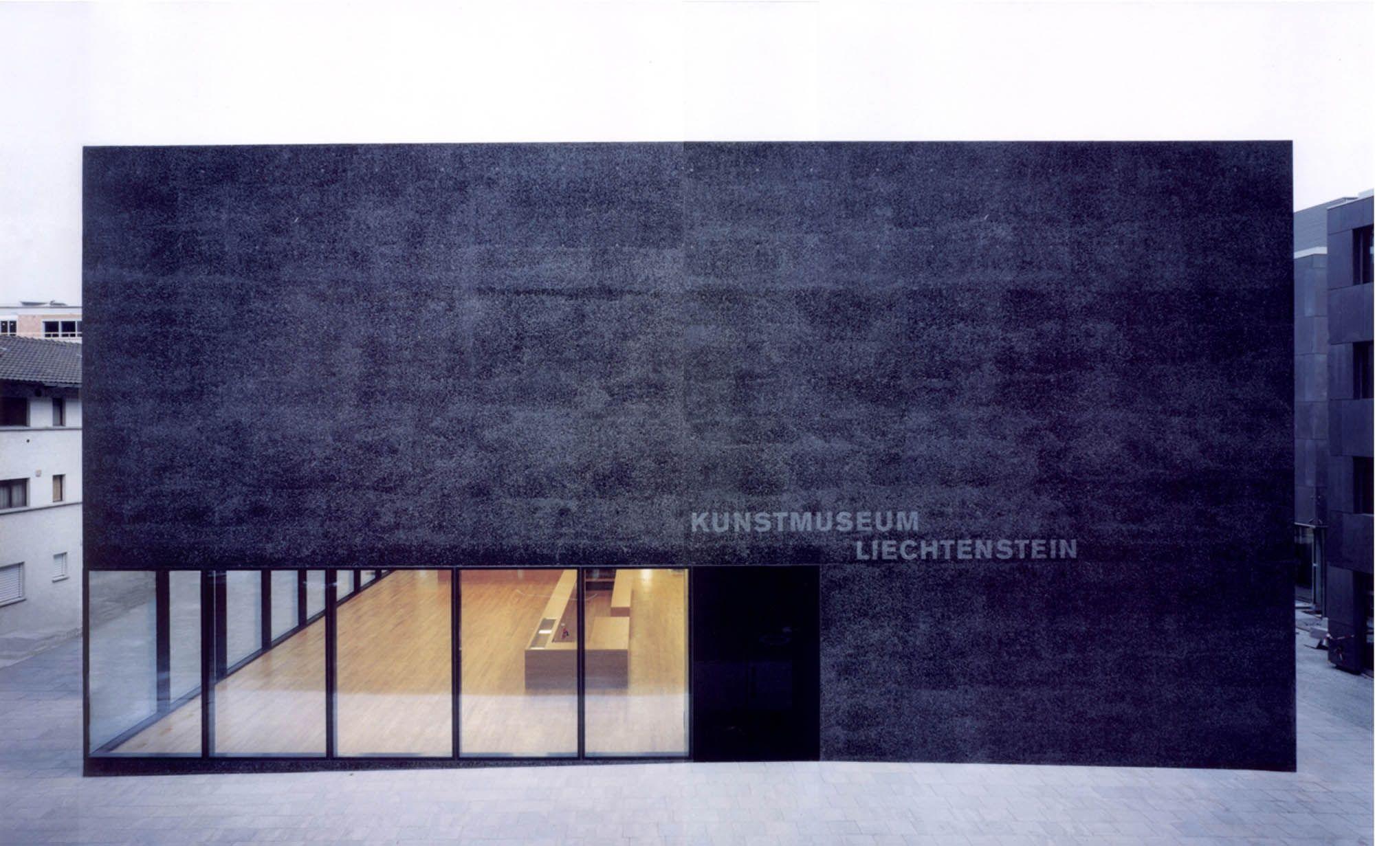 Kunstmuseum Lichtenstein Vaduz Liechtebstein 2000 Meinrad Morger Heinrich Degelo And Christian Ker Architekt Beton Architektur Minimalistische Architektur