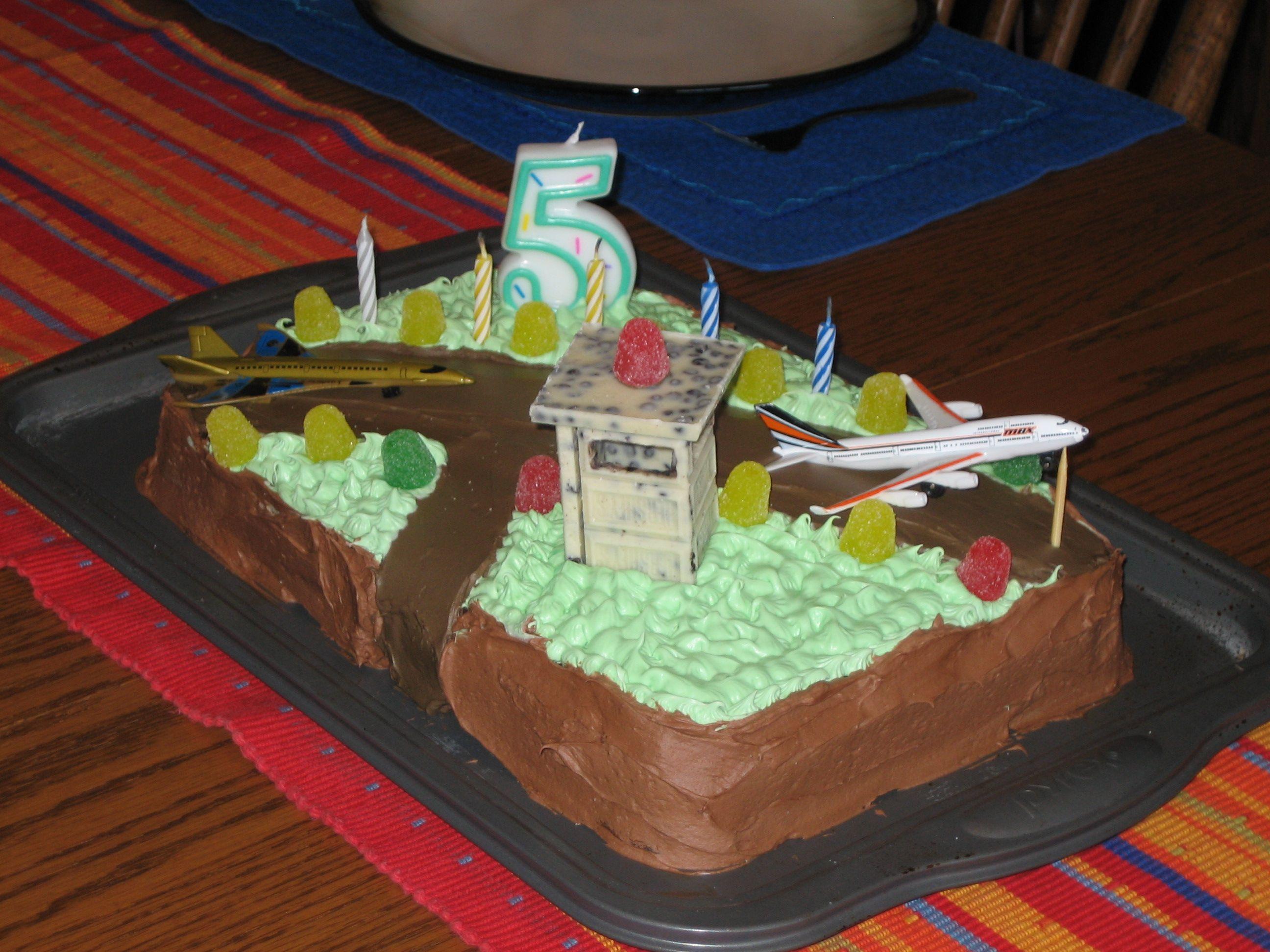 Birthday Cake Airport Airplanes Kid Birthday Cakes Pinterest