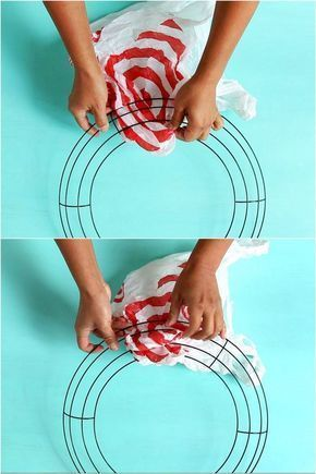 30-Minute DIY Christmas Candy Cane Wreath {with Free Material!} 30-Minute DIY Christmas Candy Cane Wreath {with Free Material!},