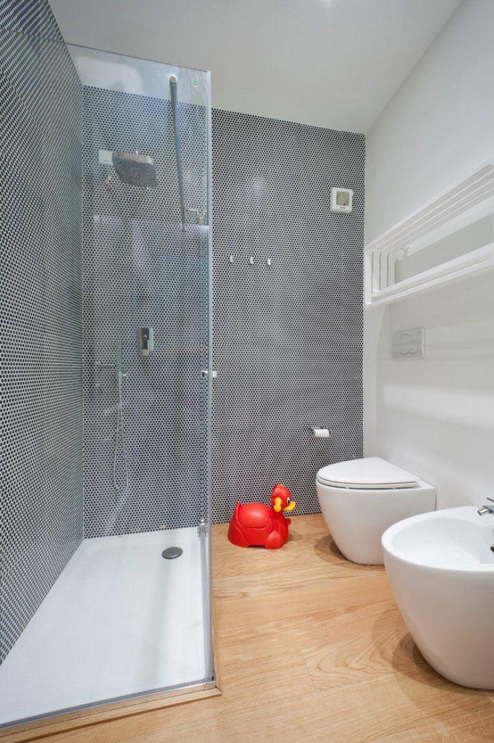 50 idee per ristrutturare un bagno piccolo moderno e for Arredo bagno costi