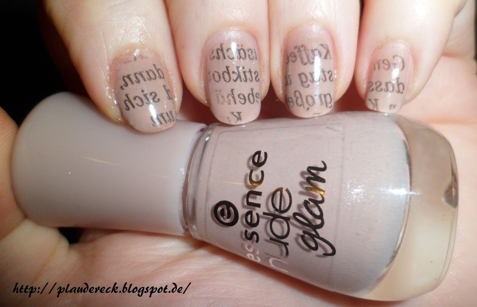 Plaudereck: Newspaper-Nails