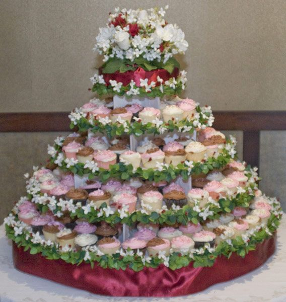 quality large round cupcake stand for weddings