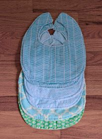 Cherry Street Cottage: DIY: Bibs & Burp Cloths (and a great pillow tutorial too)