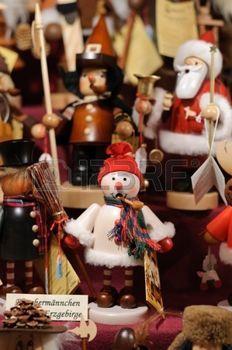 Nussknacker auf dem Weihnachtsmarkt von Nürnberg in Deutschland ...