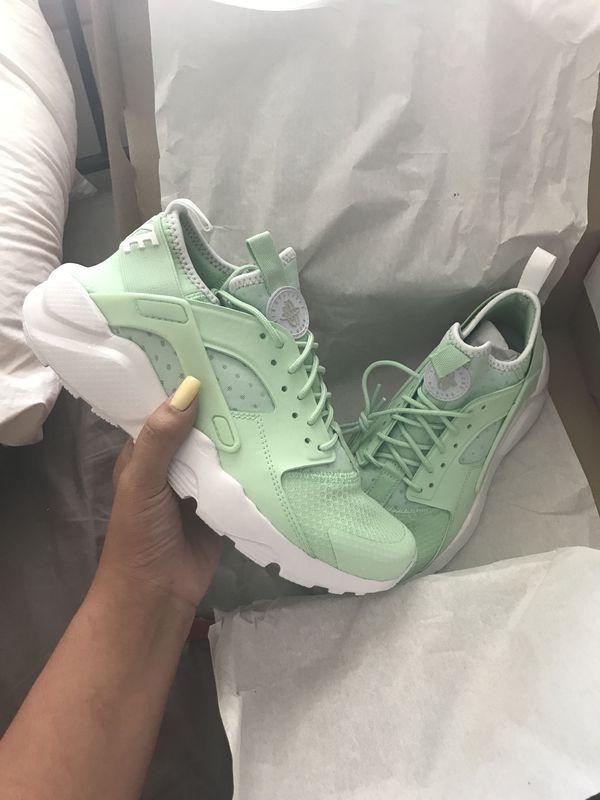 nike huarache green womens