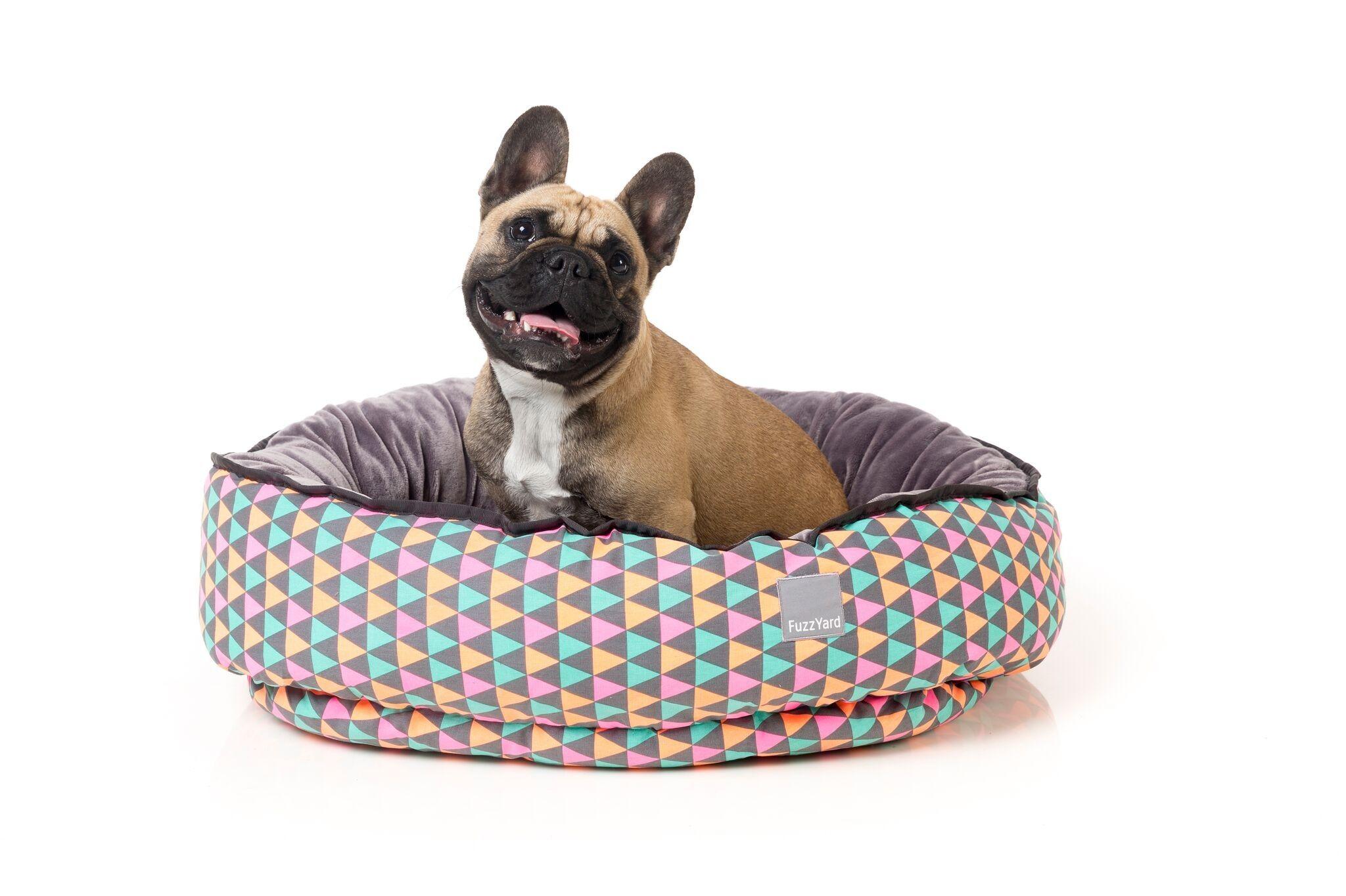 FuzzYard+Pop+Reversible+Dog+Bed, £50.00 Camas