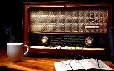 Vintage Radio Hd Wallpaper With Images Vintage Radio Old Radios Antique Radio