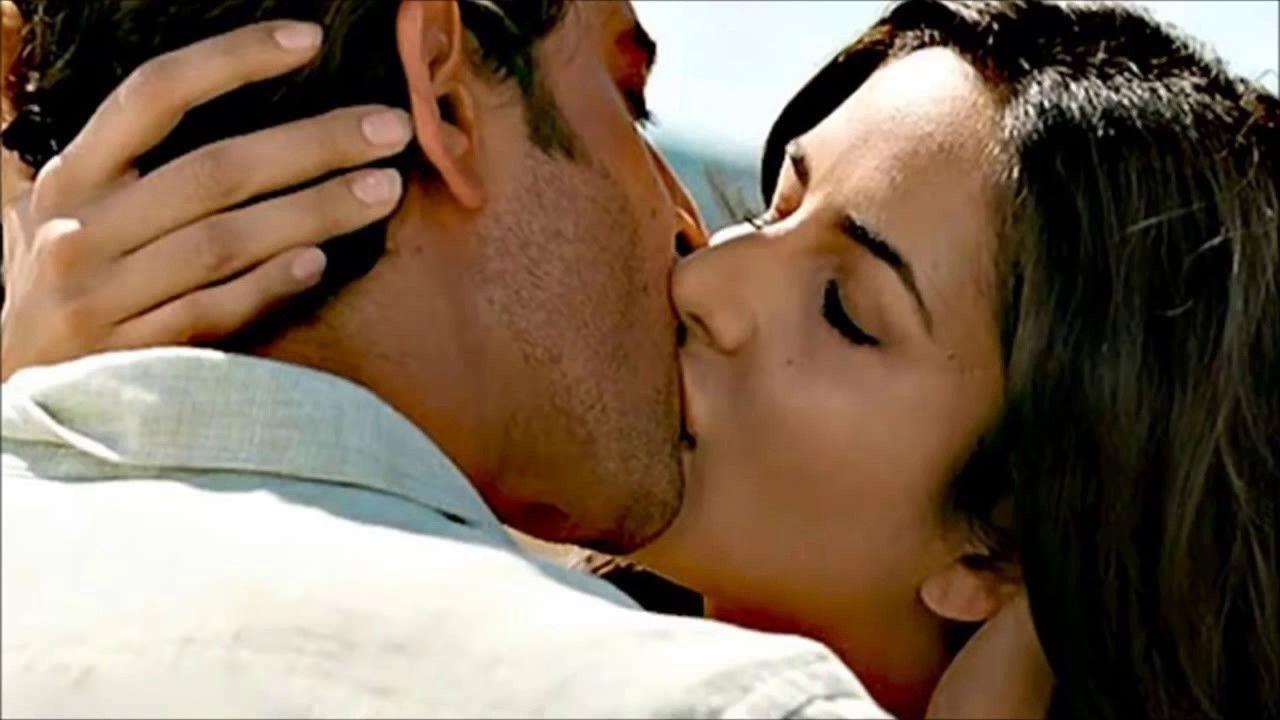 Hot Kisses Of Katrina Kaif