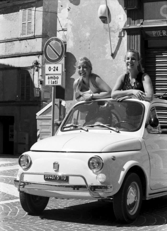 Ragazze e Fiat 500