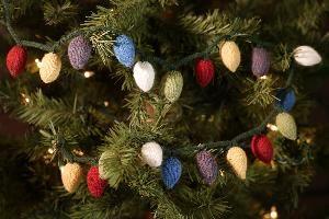 Knit picks holiday decorations