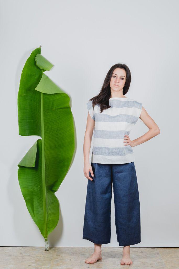 #Canotta ampia in tela leggera di #lino 100%.É realizzata in taglia unica e veste dalla 40 alla 46. filotimo.it
